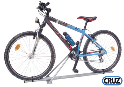 4 x CRUZ Bici-racks with CRUZ roof bars
