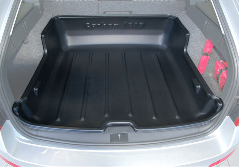 Skoda Octavia estate (2013 onwards):Carbox Classic S boot liner, black, for Skoda Octavia estate, 101819000