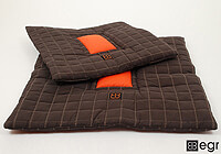 :EB 'Waffle Square' pet bed, medium, no. WABE M