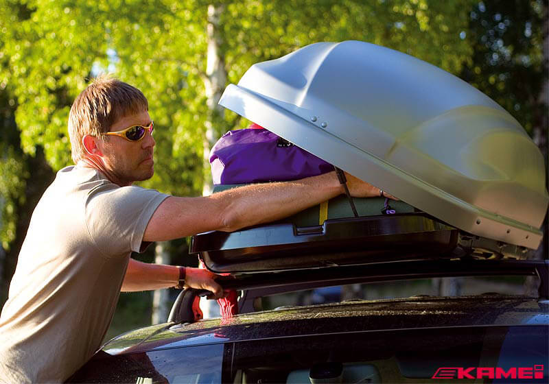 Any roof box will fit on any car
