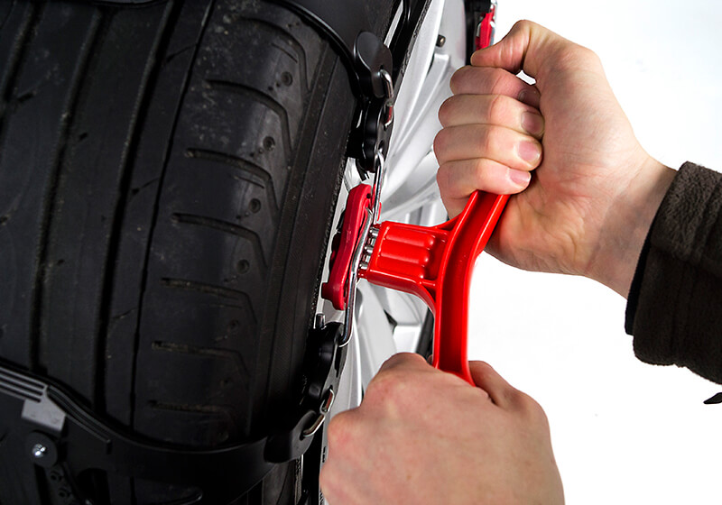 Car Mate BIATHLON polyurethane snow chains, sold in Europe as INNO Quick & Easy