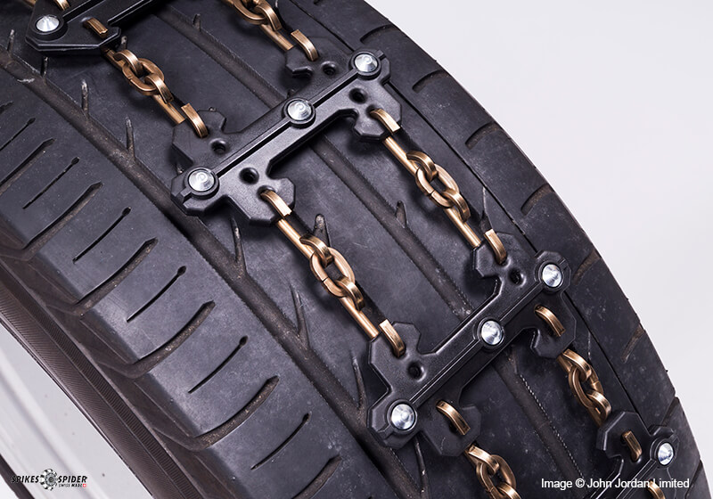Spikes-Spider snowchains can be resized by at least 220mm
