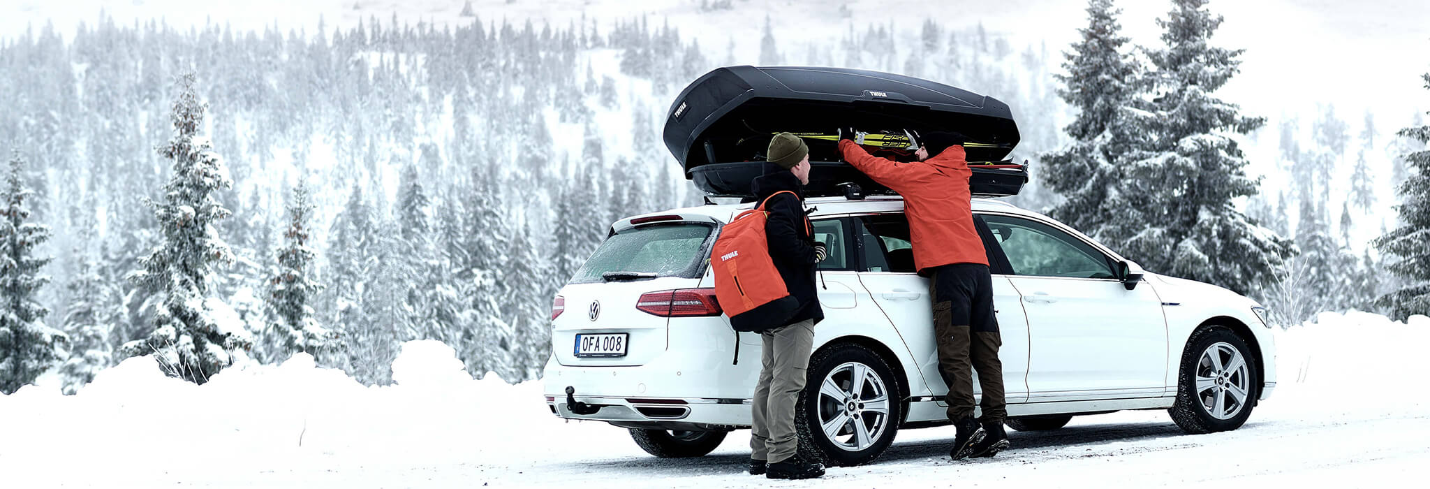 Thule motion XT roof box in winter