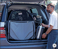 Dog Bag pet carrier: You can also lift the tailgate or open the doors without worrying about the dog escaping - you won't even need a dog guard.